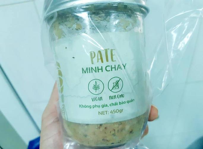3 người ở Quảng Nam đi cấp cứu sau khi ăn pate Minh Chay - Ảnh 1.