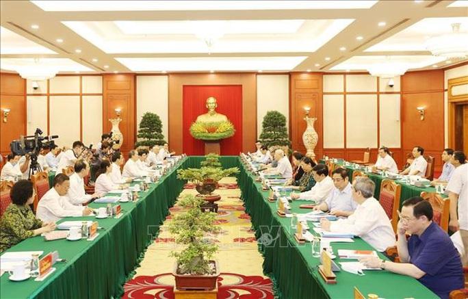 Tổng Bí thư, Chủ tịch nước chủ trì buổi làm việc với Ban Thường vụ Thành ủy TP HCM - Ảnh 2.