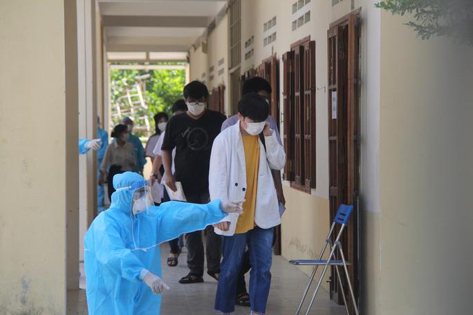 Thi tốt nghiệp THPT đợt 2: Phần thi tác phẩm Việt Bắc nằm ngoài dự đoán của  nhiều thí sinh Đà Nẵng - Ảnh 4.