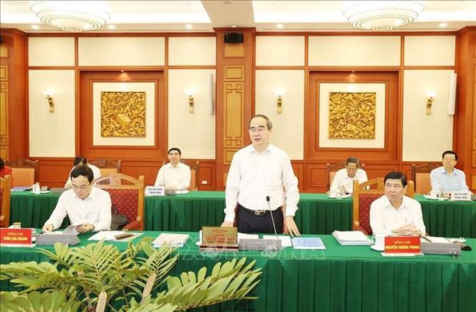 Tổng Bí thư, Chủ tịch nước chủ trì buổi làm việc với Ban Thường vụ Thành ủy TP HCM - Ảnh 7.