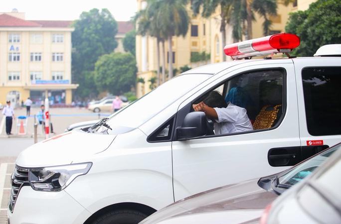 Ông Đoàn Ngọc Hải đưa bệnh nhân từ Hà Nội về Hà Giang: Khi nào yếu, mệt tôi sẽ nghỉ - Ảnh 3.