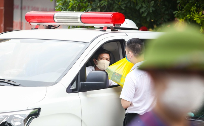 Ông Đoàn Ngọc Hải đưa bệnh nhân từ Hà Nội về Hà Giang: Khi nào yếu, mệt tôi sẽ nghỉ - Ảnh 5.