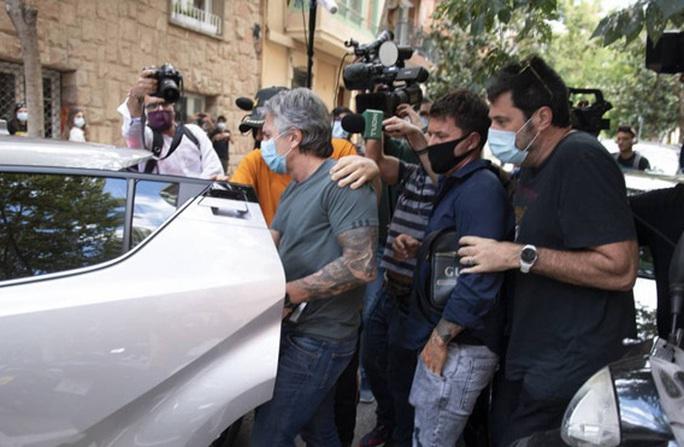 Barcelona và Messi thương thảo bất thành, lún sâu khủng hoảng - Ảnh 1.