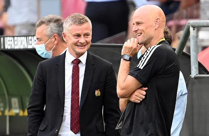 Van de Beek ký hợp đồng chính thức, fan Man United vỡ òa hạnh phúc - Ảnh 5.