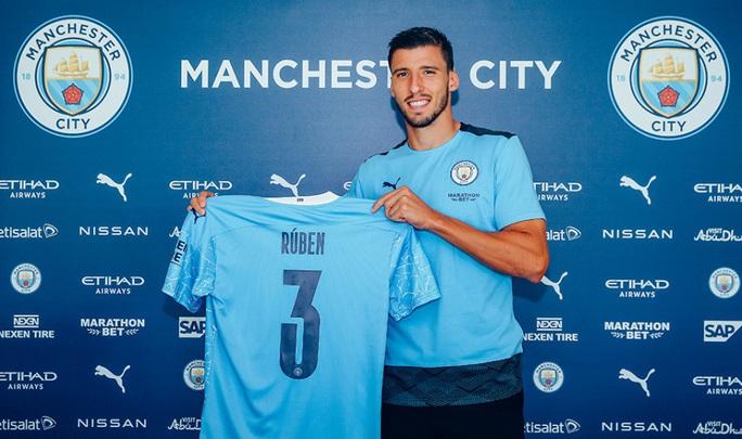 Man City chờ bom tấn Ruben Dias, bóng đá Anh đón nàng WAGs xinh như mộng - Ảnh 3.