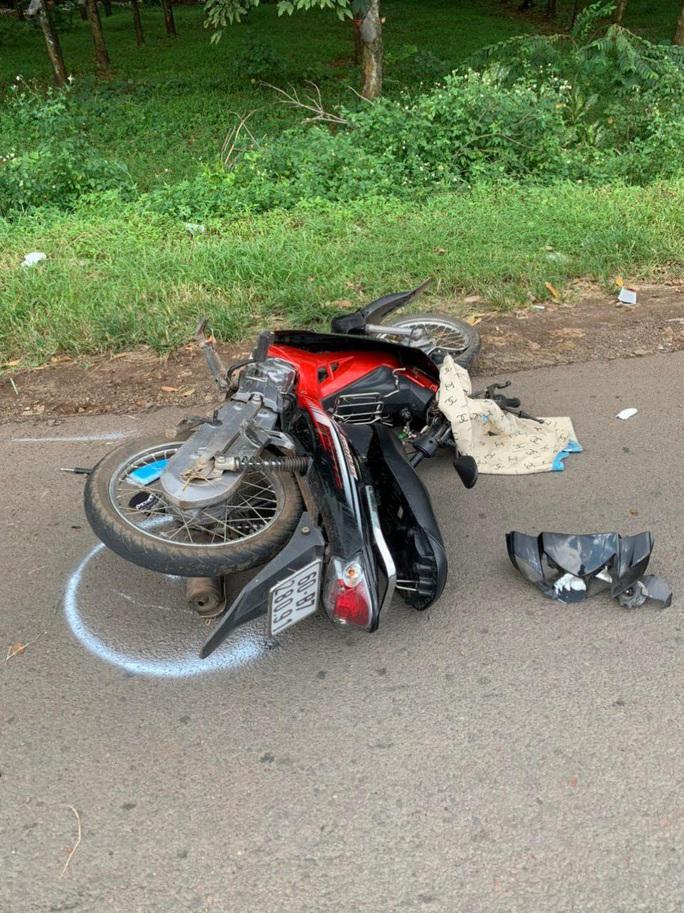 CLIP: Thanh niên chạy xe máy bạt mạng tử nạn trên Quốc lộ 20 - Ảnh 3.