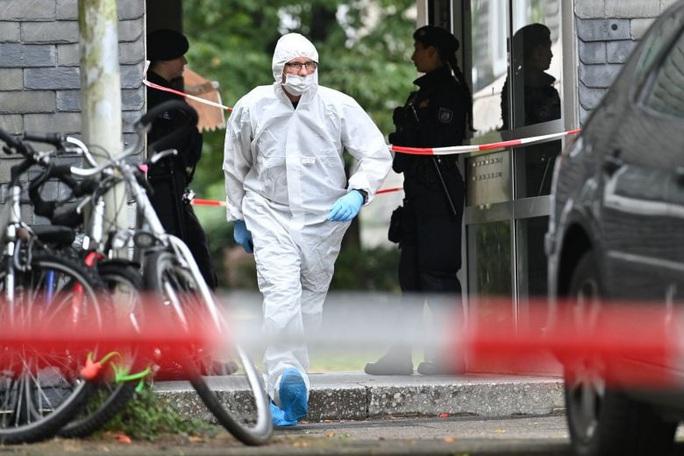 Đức: Người mẹ trẻ giết 5 con nhỏ rồi lao vào tàu tự tử - Ảnh 2.