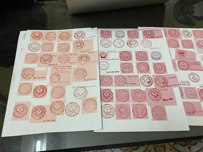 Phá đường dây làm giả hơn 120 con dấu của các cơ quan, tổ chức trên địa bàn Đà Nẵng - Ảnh 5.