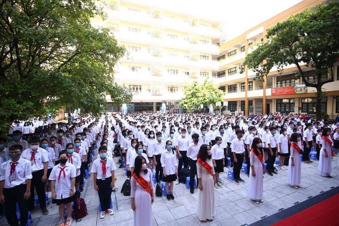 23 triệu học sinh cả nước tưng bừng bước vào năm học mới - Ảnh 1.