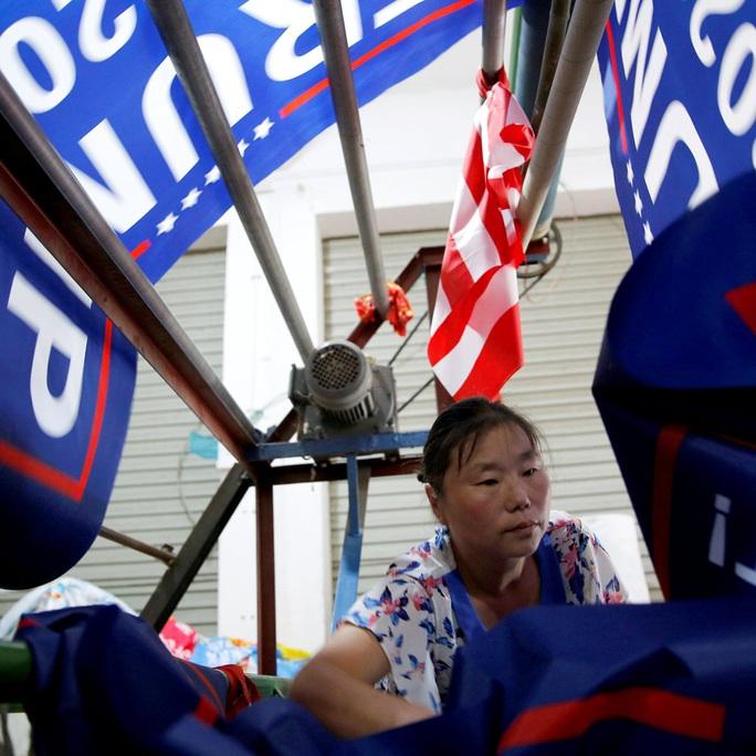 Hết Nga, Mỹ cáo buộc Trung Quốc tìm cách can thiệp bầu cử Mỹ - Ảnh 1.