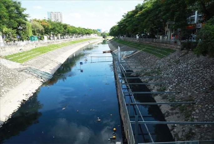 Hà Nội: Loay hoay xử lý ô nhiễm sông, hồ - Ảnh 1.