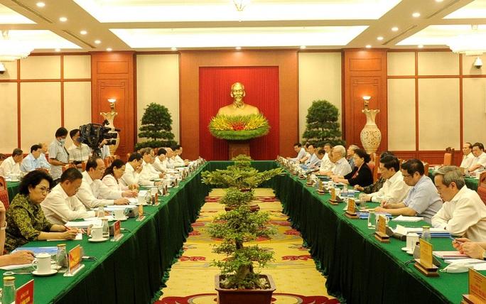 Bộ Chính trị làm việc với 10 đảng bộ trực thuộc Trung ương - Ảnh 2.