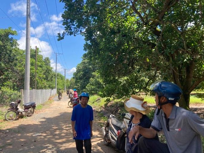 Đang tìm kiếm cháu bé 4 tuổi mất tích gần nhà ở vùng núi Chứa Chan - Ảnh 2.
