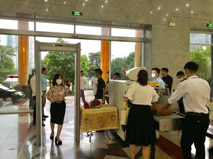 Sáng nay 7-9, thắt chặt công tác an ninh cho phiên tòa xét xử 29 bị cáo ở Đồng Tâm - Ảnh 5.