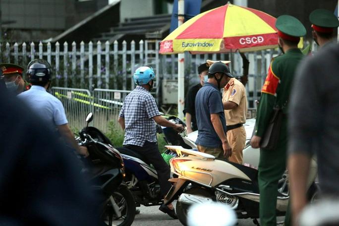 Sáng nay 7-9, thắt chặt công tác an ninh cho phiên tòa xét xử 29 bị cáo ở Đồng Tâm - Ảnh 18.