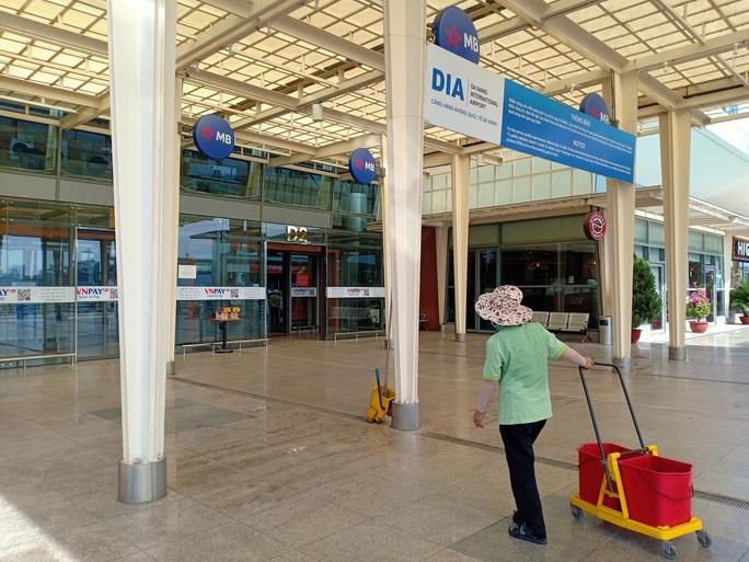 Bến xe, nhà ga, sân bay ở Đà Nẵng mở cửa trở lại nhưng vẫn vắng khách - Ảnh 3.