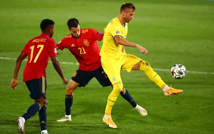 Thần đồng Barcelona tỏa sáng, Tây Ban Nha thắng vùi dập Ukraine - Ảnh 1.