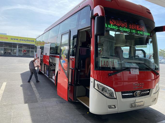 Bến xe, nhà ga, sân bay ở Đà Nẵng mở cửa trở lại nhưng vẫn vắng khách - Ảnh 12.
