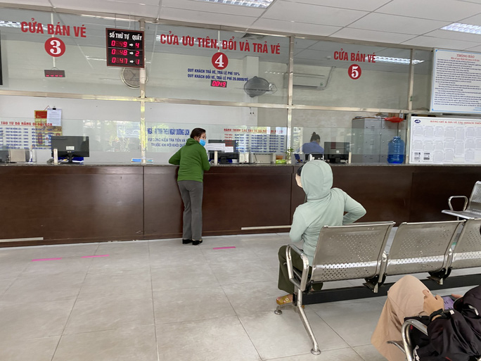 Bến xe, nhà ga, sân bay ở Đà Nẵng mở cửa trở lại nhưng vẫn vắng khách - Ảnh 13.