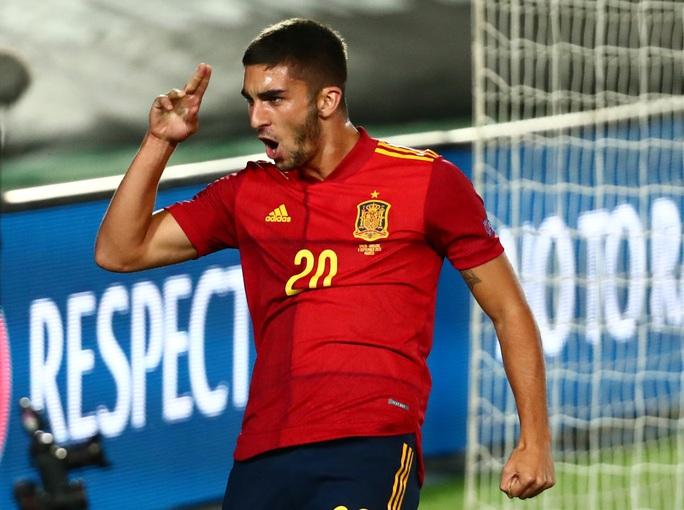 Thần đồng Barcelona tỏa sáng, Tây Ban Nha thắng vùi dập Ukraine - Ảnh 5.