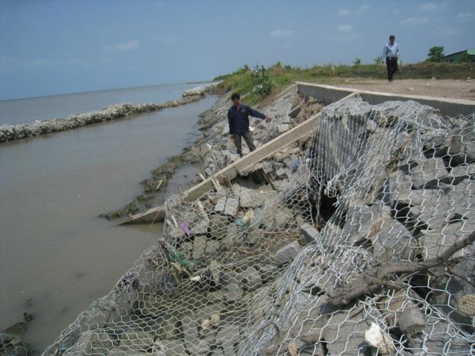Cà Mau họp khẩn vụ sai phạm gần trăm tỉ đồng tại dự án nâng cấp đê biển Tây - Ảnh 3.