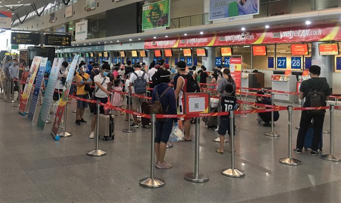 Hãng hàng không đồng loạt mở lại đường bay Đà Nẵng - Ảnh 2.