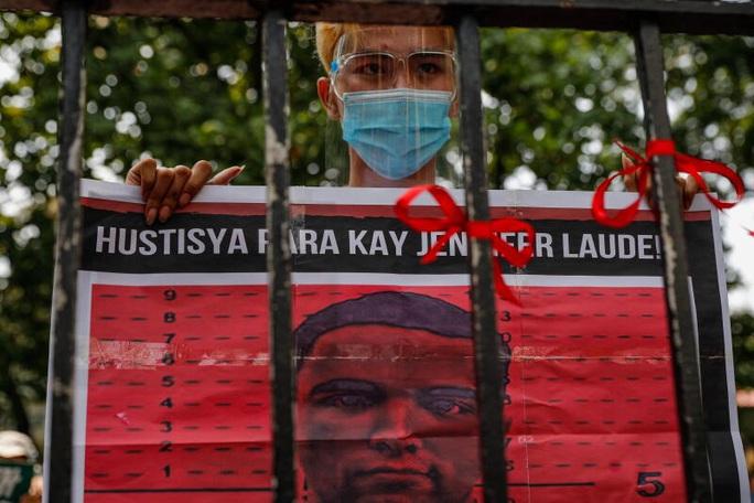 Ông Duterte gây sóng gió khi ân xá lính Mỹ giết cô gái chuyển giới - Ảnh 2.