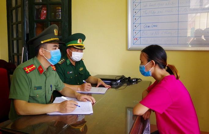 Phá đường dây đưa người sang Trung Quốc trái phép - Ảnh 2.