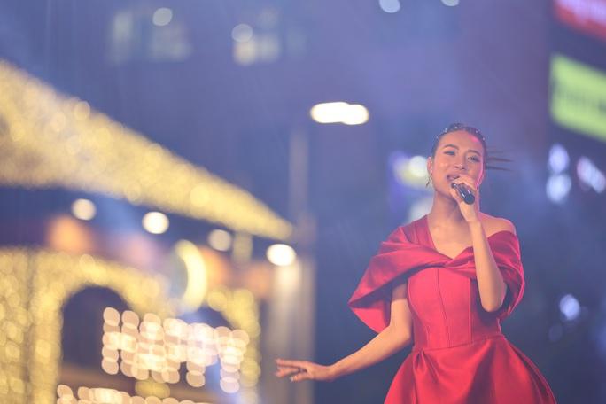 Bữa tiệc âm nhạc tuyệt vời mừng năm mới, mừng thành phố Thủ Đức của người Sài Gòn - Ảnh 19.