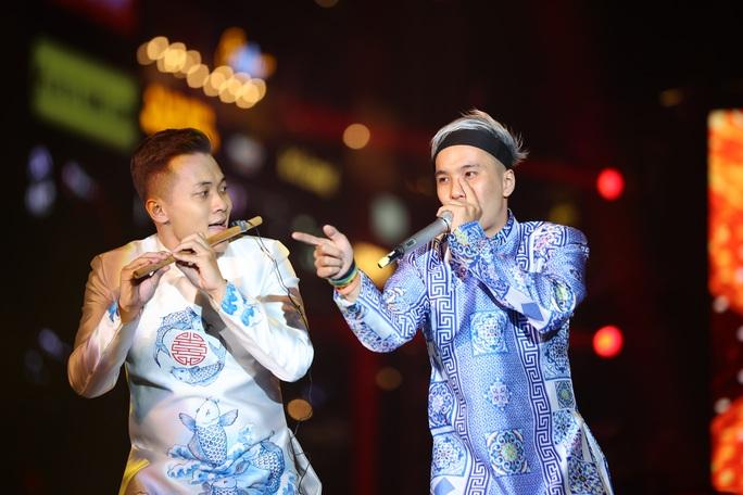Bữa tiệc âm nhạc tuyệt vời mừng năm mới, mừng thành phố Thủ Đức của người Sài Gòn - Ảnh 15.