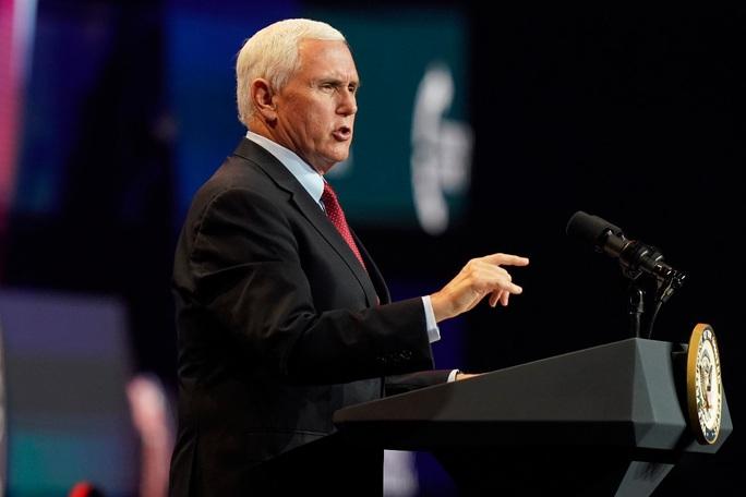 Phó Tổng thống Mike Pence đòi bác bỏ vụ kiện chống lại ông - Ảnh 1.