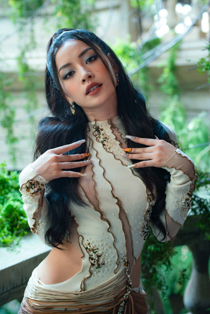 Chi Pu tham gia phim ma thuật, bùa ngải của Victor Vũ - Ảnh 2.