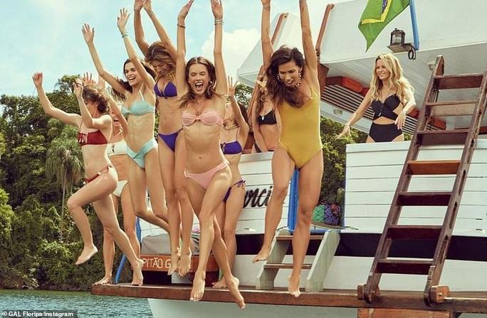 Bỏng mắt với những hình ảnh mới nhất về siêu mẫu Alessandra Ambrosio - Ảnh 7.