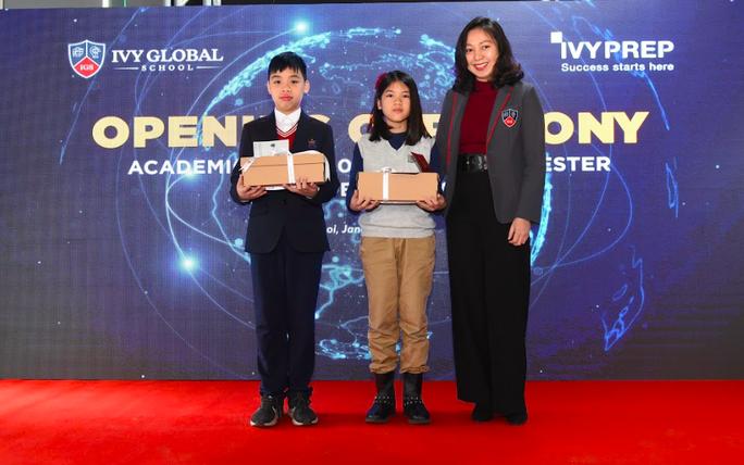 Trường phổ thông Mỹ trực tuyến Ivy Global School tổ chức lễ khai giảng đầu tiên tại Việt Nam - Ảnh 1.