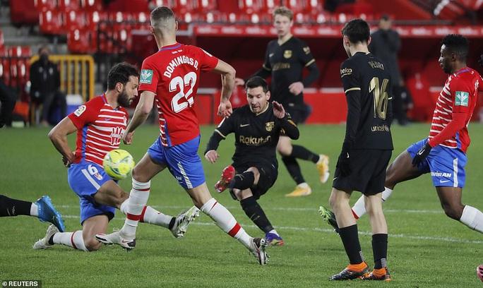 Messi và Griezmann bắn hạ Granada, Barcelona lên Top 3 La Liga - Ảnh 3.