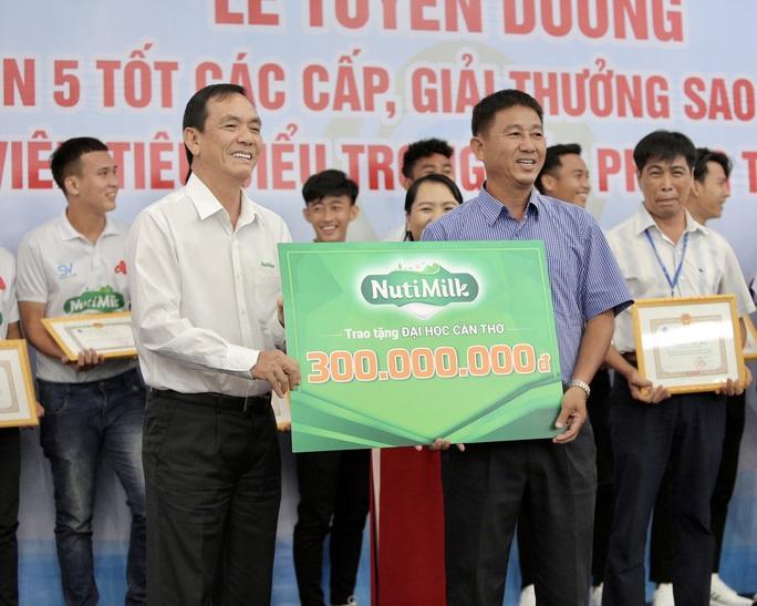 Trường ĐH Cần Thơ được thưởng lớn sau chiến tích vô địch SV-League 2020 - Ảnh 2.