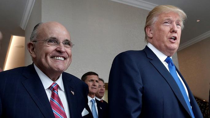 """Tổng thống Donald Trump làm gì trong lúc quốc hội """"dầu sôi lửa bỏng""""? - Ảnh 2."""