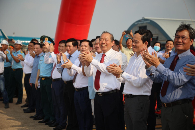CLIP: Khánh thành Dự án cải tạo, nâng cấp đường cất hạ cánh, đường lăn Sân bay Tân Sơn Nhất - Ảnh 4.