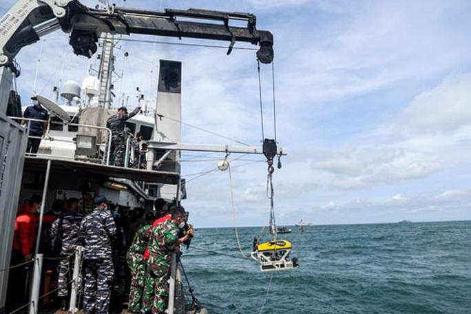Vụ rơi máy bay ở Indonesia: Tốc độ bay chậm là dấu hiệu đáng chú ý - Ảnh 1.