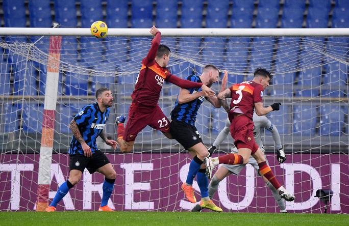 Chiêm ngưỡng 4 siêu phẩm ở trận cầu tâm điểm vòng 17 Serie A - Ảnh 3.