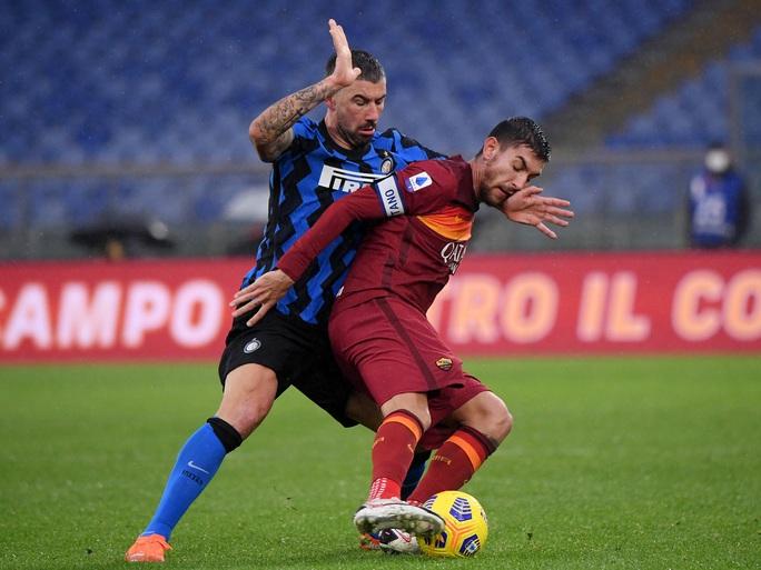 Chiêm ngưỡng 4 siêu phẩm ở trận cầu tâm điểm vòng 17 Serie A - Ảnh 2.