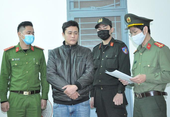 Đà Nẵng: Bắt giam 2 tài xế nhận chở người Trung Quốc nhập cảnh trái phép - Ảnh 2.