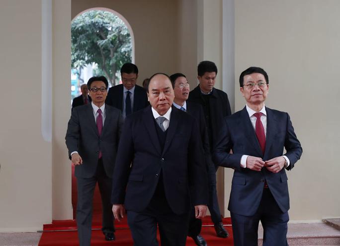 Bộ trưởng Nguyễn Mạnh Hùng: Sứ mệnh lớn lao chưa bao giờ có của ngành thông tin - truyền thông - Ảnh 1.