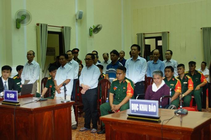 Tòa án Quân sự Quân khu 7 đang xét xử Lê Quang Hiếu Hùng và 10 đồng phạm - Ảnh 1.