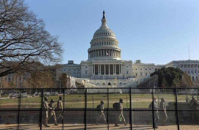 Mỹ lo ngại âm mưu bao vây Điện Capitol, ám sát nghị sĩ - Ảnh 1.