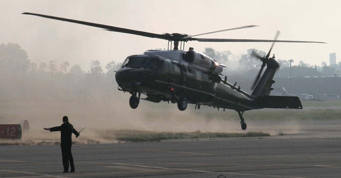 Nhiều trực thăng Marine One gây náo động gần dinh Phó Tổng thống Pence - Ảnh 1.