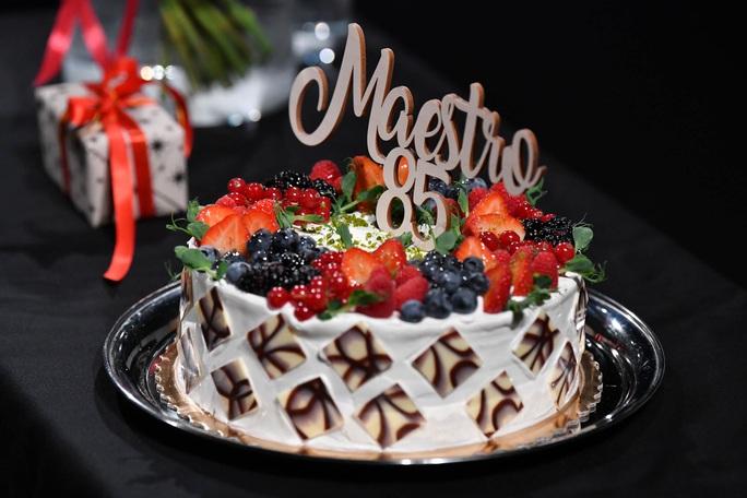 """Tổng thống Latvia mừng sinh nhật nhạc sĩ """"Triệu đóa hoa hồng"""" - Ảnh 5."""