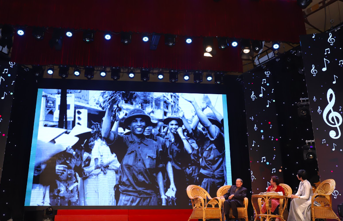 Nhạc sĩ Phạm Tuyên xúc động trong đêm nhạc mừng sinh nhật tuổi 91 - Ảnh 2.