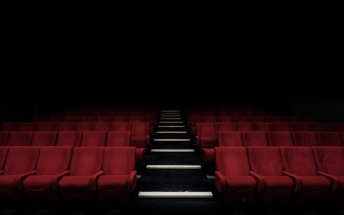 Doanh thu phim Hollywood thấp nhất 40 năm qua vì Covid-19 - Ảnh 2.