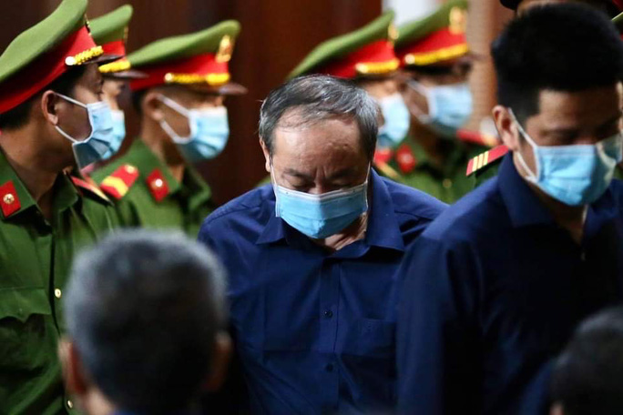 Ông Đinh La Thăng và ông Nguyễn Hồng Trường không kháng cáo bản án của TAND TP HCM - Ảnh 1.
